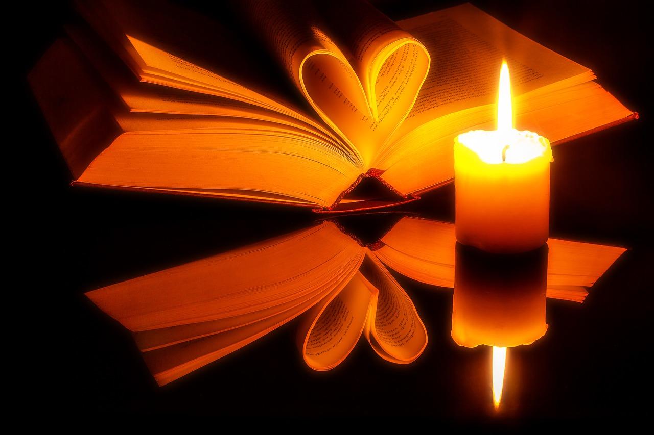 book-1950451_1280